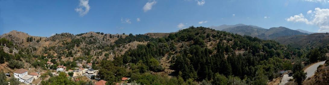 Oreinothea_Therisso_panoramic_view